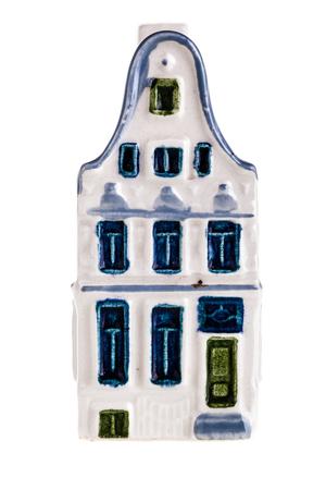 canal house: porcellana canale olandese modello di casa isolato su uno sfondo bianco