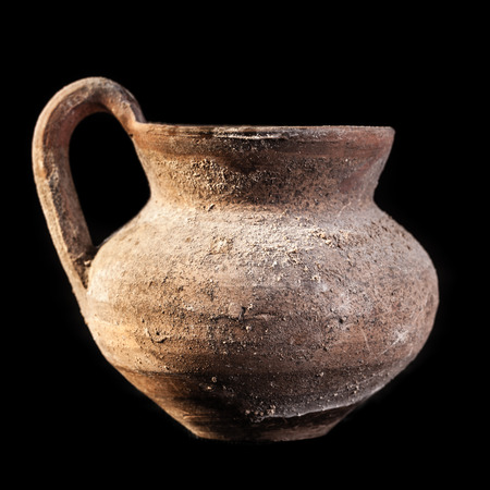 daunia: Daunian pot, Terracotta, Subgeometric style isolated over a black background