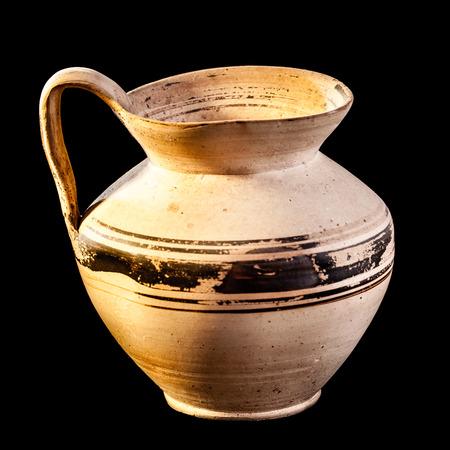 daunia: Daunian jug, Terracotta, Subgeometric style isolated over a black background
