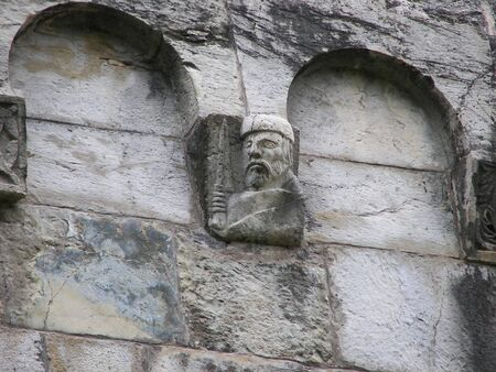 putto: Old Wall