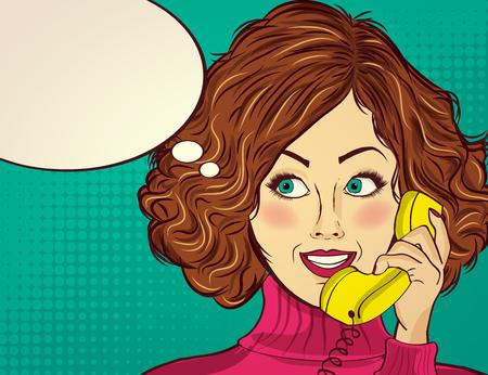 Belle dame aux cheveux roux, parle à un téléphone rétro et sourire Banque d'images - 90651801