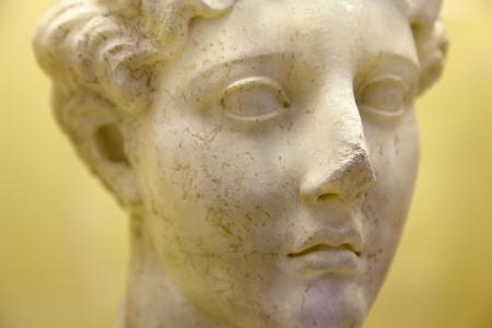 statue grecque: T�te d'une statue grecque antique Banque d'images