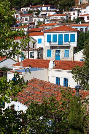 """chora: Village de """"Chora"""" en la isla de Samotracia en el norte de Grecia Foto de archivo"""