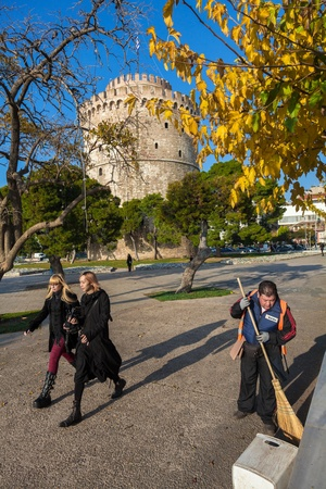 constitutes: THESSALONIKI, GREECE - NOE 22: The white tower is the focal point of the city and all meetings arranged in this region. Also constitutes as a recreational park on NOE 22, 2012 in Thessaloniki, Greece Editorial