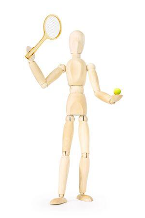 marioneta de madera: tenista aislada sobre fondo blanco. Imagen abstracta con una marioneta de madera
