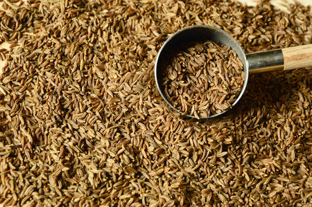 expel: caraway seeds or kemmel (German name) Helps to expel the stomach and intestines.