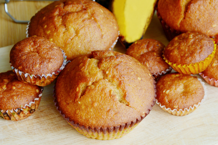 orginal: Banana muffins are easy for kids to make.