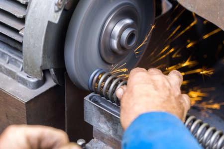 sharpening grinding disc springs on Imagens
