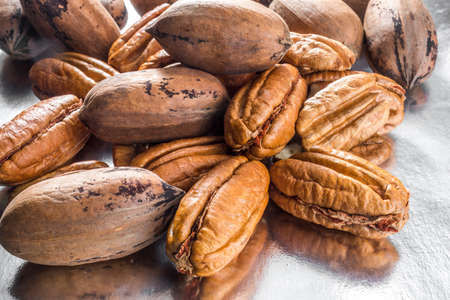 Pecan peeled nuts close up. Confectionery Ingredients Standard-Bild