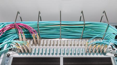 Glasvezel paneel in een datacenter Stockfoto