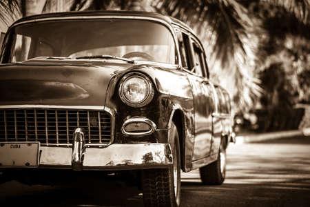 reisen: Oldtimer, Auto, Wagen, Kuba, Karibik, historisch, alt, Vintage, amerikanisch, Old school, PKW, abgestellt, retro, Strasse, Verkehr, Transport, stilleben, reisen, fernreise,