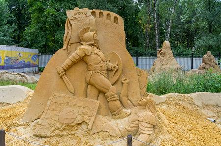 """roma antigua: Mosc�, Rusia - 31 de julio de 2015. La exposici�n de esculturas de arena en Sokolniki Park. Composici�n """"Antigua Roma""""."""