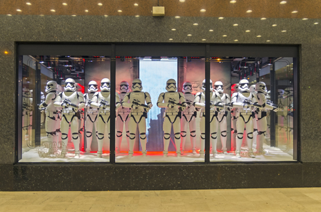 stormtrooper: PARIS, FRANCE - NOVEMBER 18, 2015: Festive window dressing in Parisian department stores for Christmas. Star Wars storm troopers.
