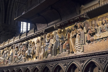 High relief with biblical scenes. Notre Dame Cathedral, Paris, France. Banque d'images - 114209273