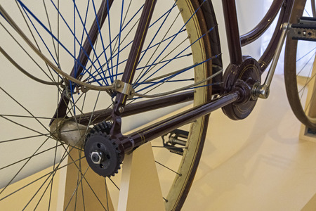 The old bicycle of the original design - the movement from the pedals to the wheel is transmitted not by a chain, but by a shaft with a bevel gear. 版權商用圖片