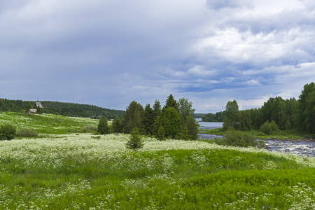 The Keret River flows into the White Sea. Karelia, Russia, end of June. 新聞圖片
