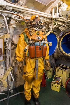 Saint Petersburg, Russia - June 16, 2019: Inside the Museum Old Soviet Submarine. Submarine life suit. Saint Petersburg, Russia. 版權商用圖片 - 133405651