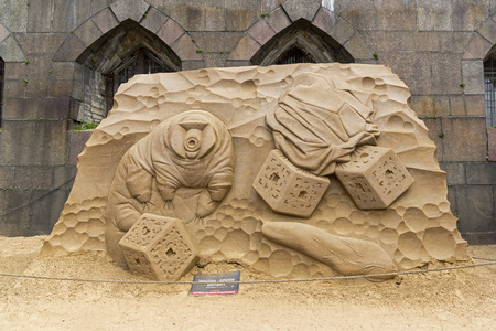 Saint Petersburg, Russia - June 13, 2019: The exhibition of sand sculptures at the Peter and Paul Fortress. Composition Tardigrades - the queen of the  microcosm by Mikhail Fedotov from Ekatirenburg, Rssia. 新聞圖片