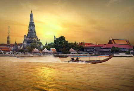 wat arun in sunset photo