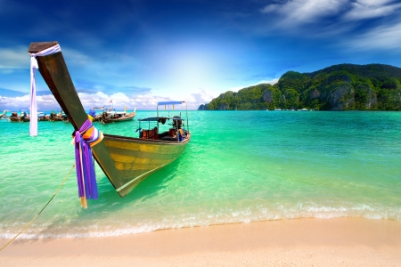 long boat on island in Thailand Stock Photo - 14997003