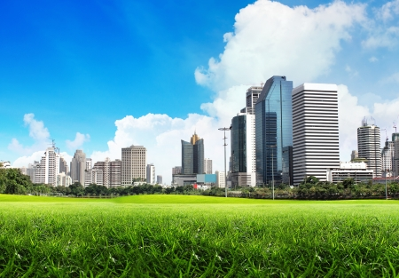 city park skyline: Green city