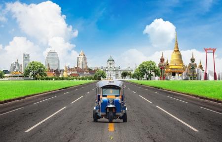 Concept, Tuk tuk voor personenauto's aan sightseeing te gaan in Bangkok Stockfoto