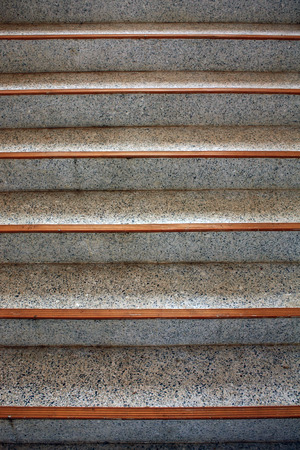 bajando escaleras: escalera