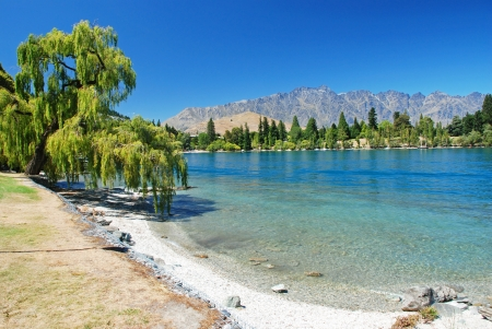 new zealand beach: Lake Wakatipu, New Zealand
