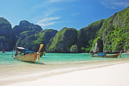 koh: Playa tropical en la isla de Koh Phi Phi, Tailandia Foto de archivo