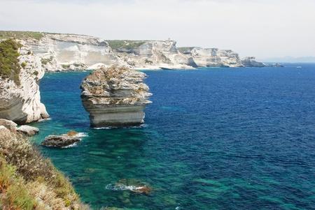 horizont: Dramatic limestone coastline, Bonifacio, Corsica, France