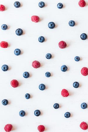 藍莓和覆盆子的圖案,頂視圖,平躺