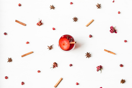 Christmas drink. Traditional mulled wine with spices. Christmas composition. Flat lay, top view Zdjęcie Seryjne