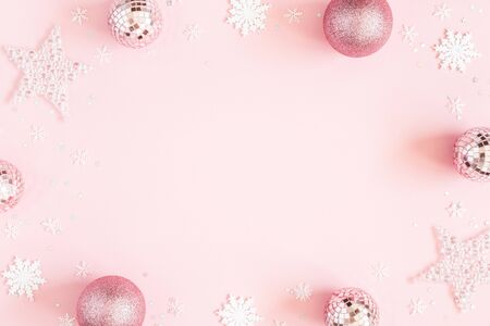 Christmas composition. White decorations on pastel pink background. Christmas, winter, new year concept. Flat lay, top view, copy space Zdjęcie Seryjne