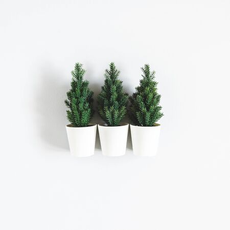 Christmas tree on gray background. Christmas, winter, new year concept. Flat lay, top view Zdjęcie Seryjne