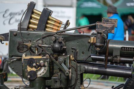 OLD WARDEN, BEDFORDSHIRE, Reino Unido, 6 de octubre de 2019. Cañón antiaéreo Bofors QF de 40 mm. Día de la carrera en Shuttleworth Editorial