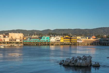 zancos: Zancos en Monterey, California