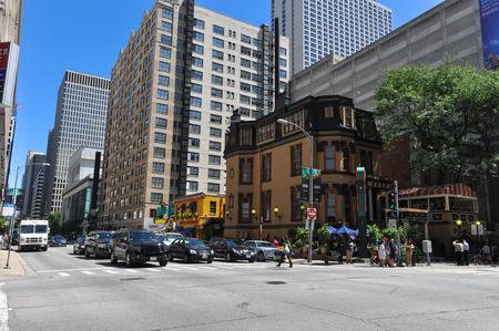 ontario: Ontario Street in Chicago Editorial