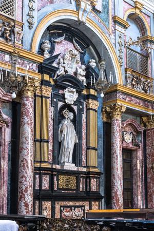 martiri: The interior of Santissimi Solutore Avventore Ottaviano Church in Turin, Italy