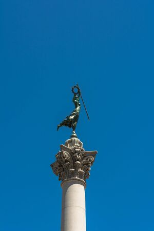 dewey: Victory Statue on top of Dewey MOnument in Union Square, San Francisco