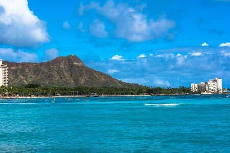 diamond head: Diamond Head seen from Waikiki coast, Oahu, Hawaii