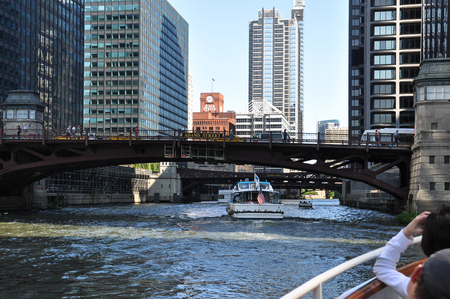illinois river: Tour along the Chicago River, Illinois Editorial