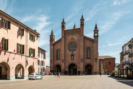 risorgimento: San Lorenzo Cathedral in Alba, Italy
