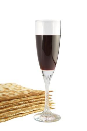 the feast of the passover: Festa religiosa ebraica cibo tradizionale Pasqua Matza e vino rosso Archivio Fotografico