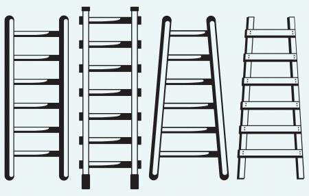 Ladder tegen de muur geïsoleerd op blauwe achtergrond