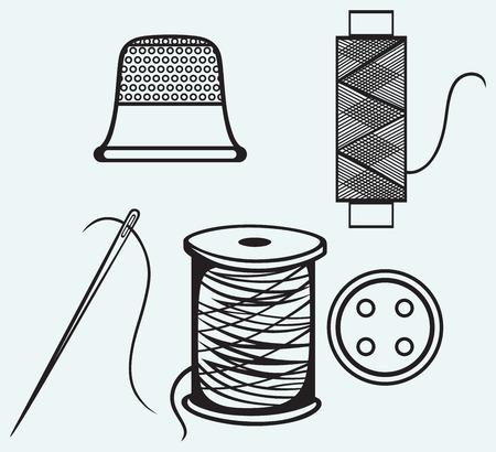 coser: Carrete con hilos, costura de botones y dedal aislados sobre fondo azul