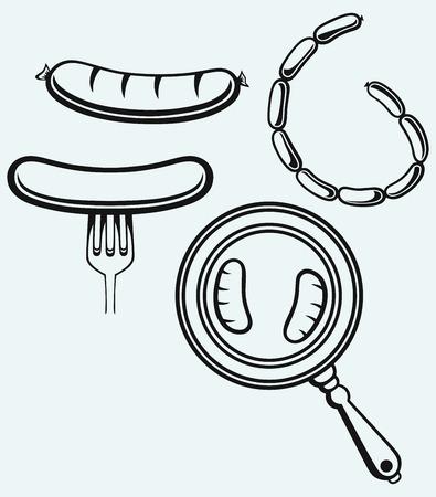 Salchichas a la parrilla en un tenedor y el sartén aislado sobre fondo azul Ilustración de vector