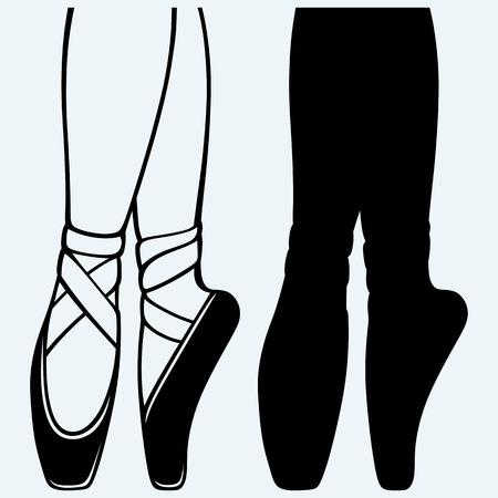 danza clasica: Las piernas y los zapatos de una joven bailarina. Aislado en el fondo azul. Siluetas del vector Vectores