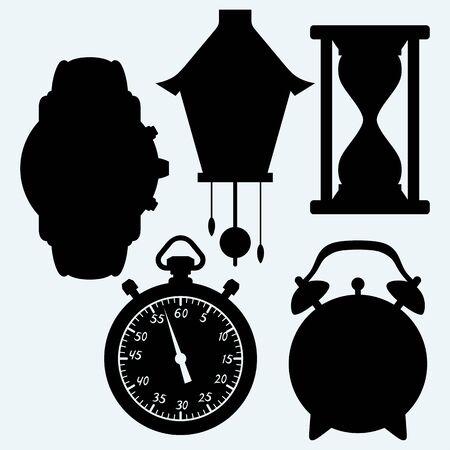 reloj cucu: Dispositivos de tiempo cuantificable, diferente despertador. Aislado en el fondo azul. Siluetas del vector