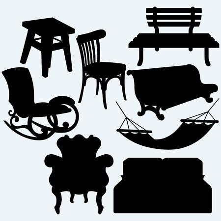 hamaca: Juego de muebles: mecedora, taburete, sofá, banco y hamaca. Aislado en el fondo azul. Siluetas del vector