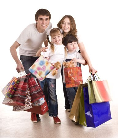 ni�os de compras: Familia feliz y los ni�os de compras. Aislado.